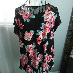 Ladies Ellen Tracy blouse size XL